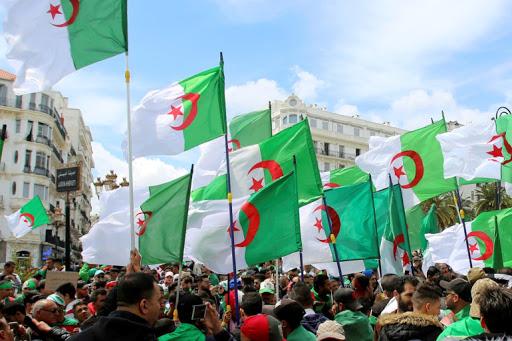 حالة من القلق تسود اوساط الحكم في الجزائر